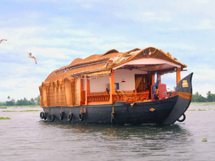 3 bedroom houseboat Alleppey Kumarakom