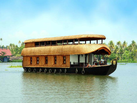 4 bedroom houseboat Alleppey Kumarakom